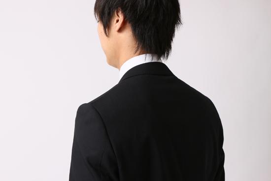後ろ襟がジャストサイズ
