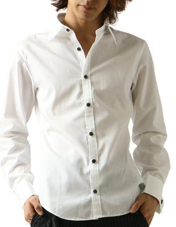 白シャツをインナーとして着こなす