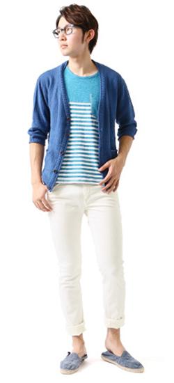 白のカラージーンズの着こなし