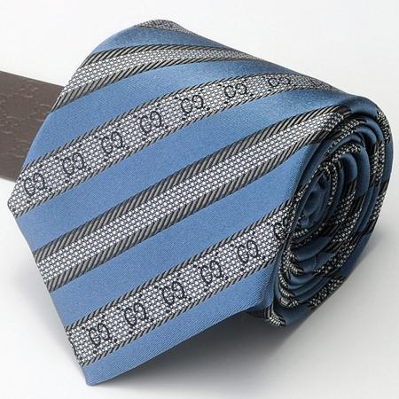 ブルーのグッチネクタイ