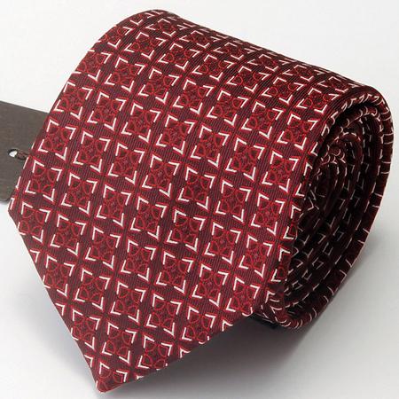 赤のグッチネクタイ