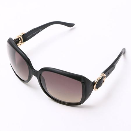 特徴的なデザインのグッチのサングラス