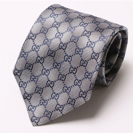 グレーのグッチネクタイ
