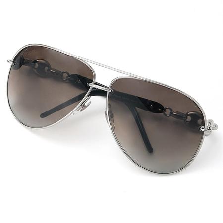 シルバーフレームのグッチのサングラス