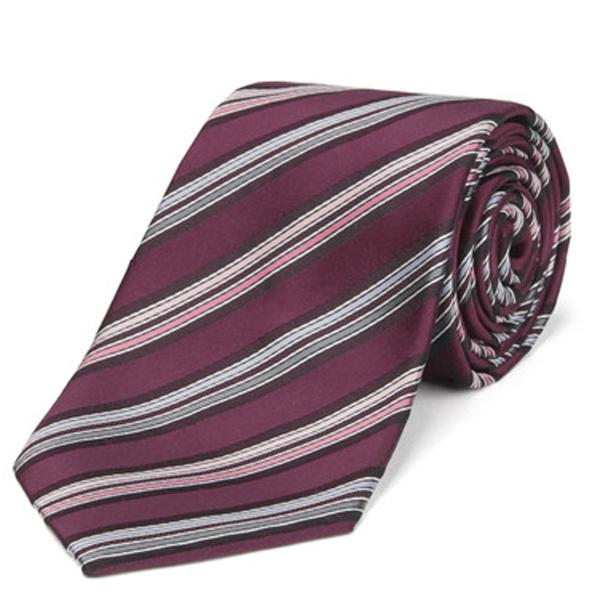 レッド系ネクタイ
